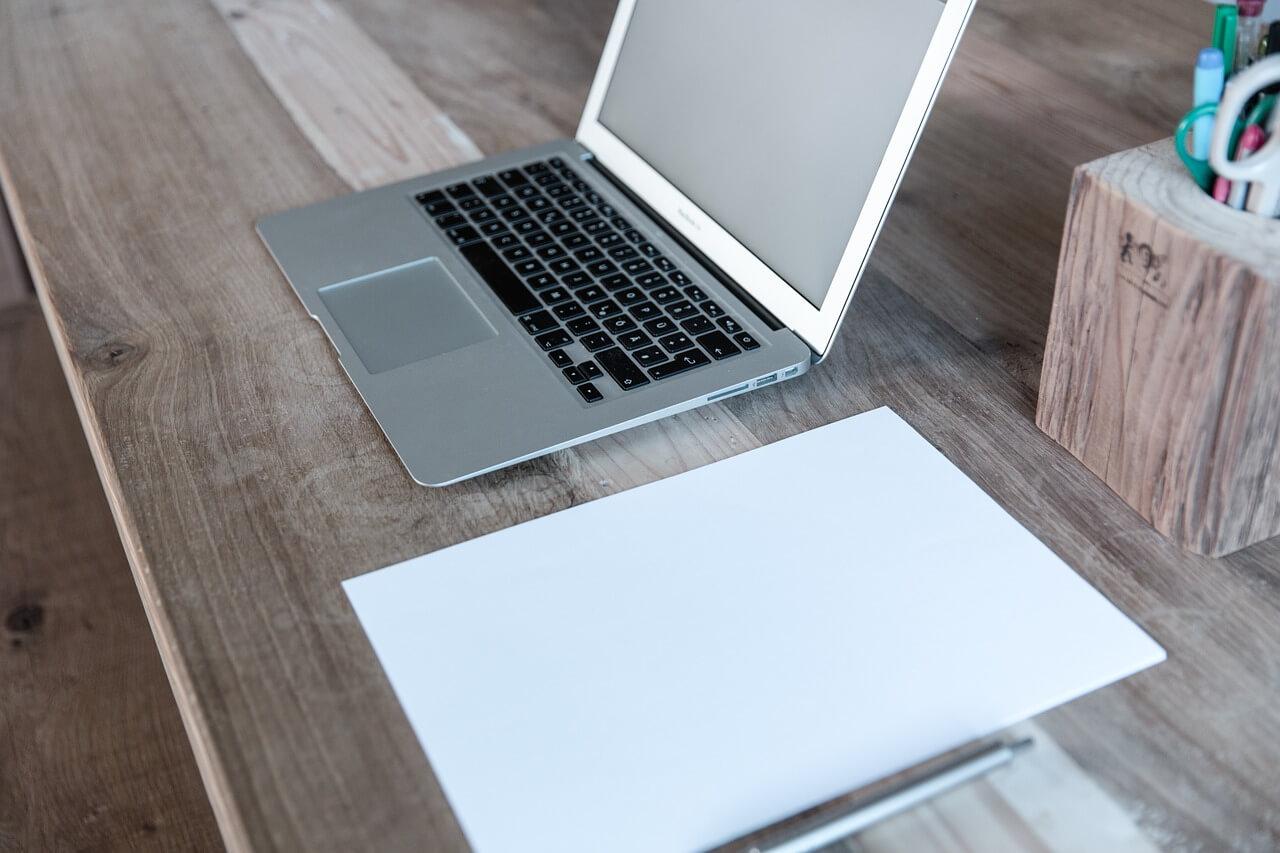 home-office-599475_1280_1.jpg